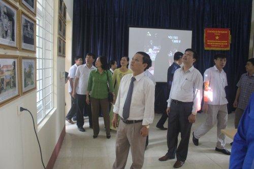 Thăm phòng đoàn - đội trường THCS Nguyễn Văn Trỗi xã Hoằng Qùy.JPG